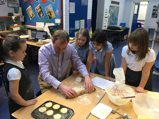 Tim Farron MP baking with Heron Hill Primary School pupils