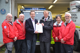South Lakes MP Tim Farron joined Chris Davies MEP at Kendal Mountain Rescue station on Wednesday afternoon to thank the over 6,000 local residents for signing the petition calling for VAT to be axed from our Mountain Rescue teams.